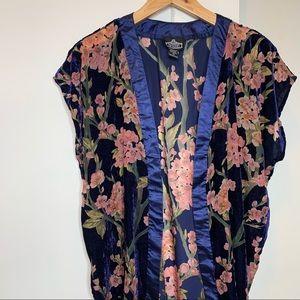 Angie Floral Velvet Sleeveless Kimono